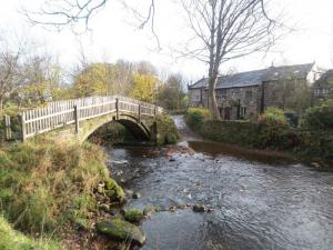 Beckfoot Packhorse bridge in Bingley - A historic feature on the walk