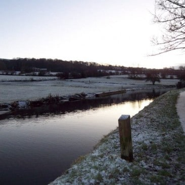 Crossflatts – Leeds and Liverpool Canal on a Wintery Morning