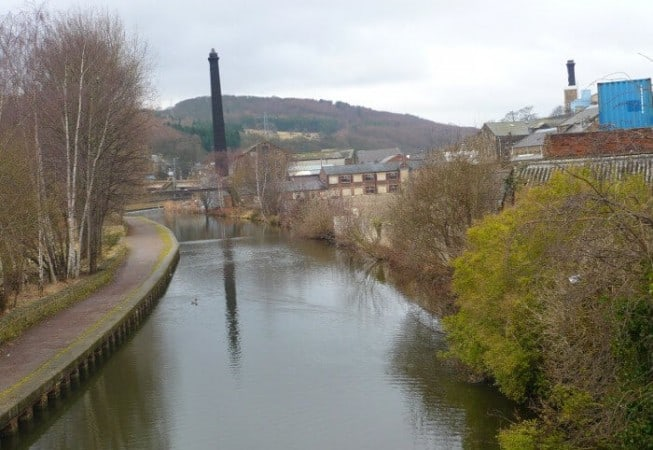Leeds & Liverpool Canal - View of St Ives estate in the background