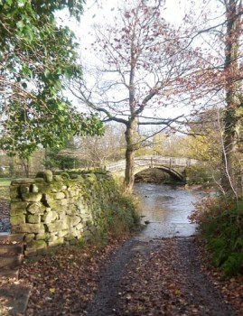 Beck Lane leading to pack horse bridge