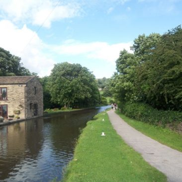 Crossflatts Leeds and Liverpool Canal at Morton Lane