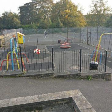 Tennis Court, Playground & Basketball in Myrtle Park