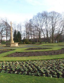 War Memorial Monument in Myrtle Park