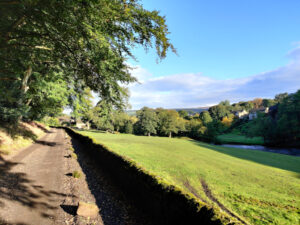 Towards Ravenroyd Riding Centre